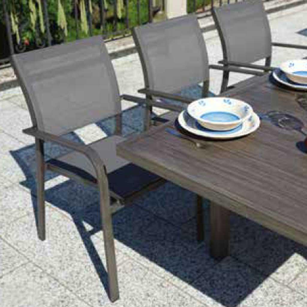 Tavolo Giardino Alluminio Allungabile.Tavolo Allungabile In Alluminio Zermatt Effetto Legno Scuro Mama