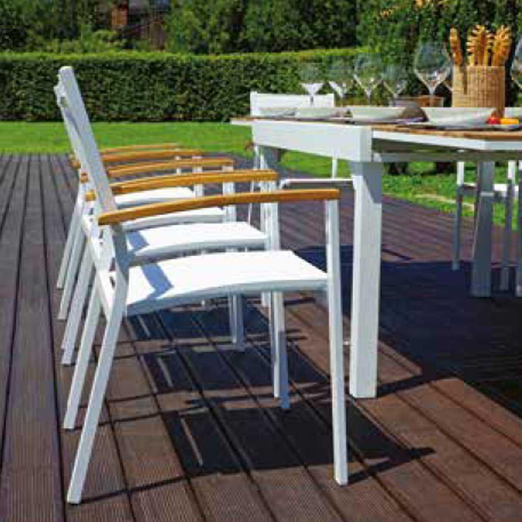 Tavolo Da Giardino Teak.Tavolo Da Giardino Allungabile In Teak E Alluminio Bonifacio Mama